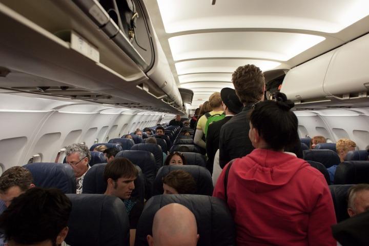 inside plane-691084_960_720