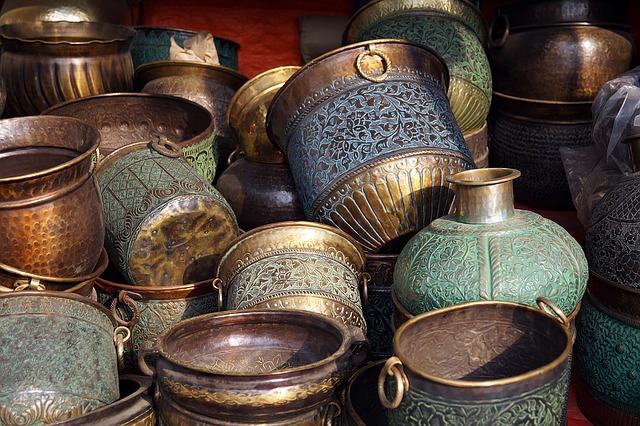antique urns-1457356_640