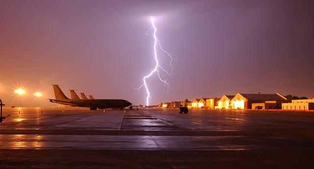 lightning-659914_640
