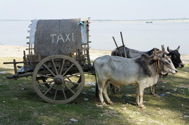 taxi-1029031_640