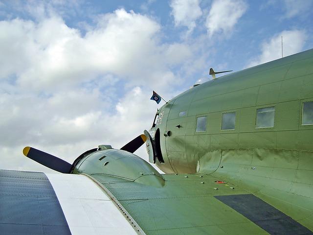 world-war-airplane-1309948_640